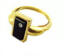 "Avon ""Delmonico"" Black & Goldtone 1970s Ring"