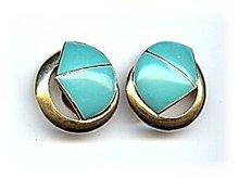 Lovely Vintage Trifari Blue & Goldtone Earrings
