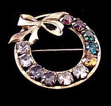 """Vintage 1 1/4"""" VTG GF Rhinestone Wreath Pin"""