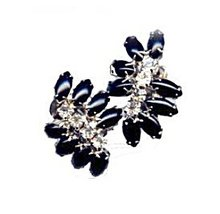 Vintage Black & Clear Glass Rhinestone Earrings