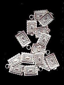 """Lovely Vintage Silvertone 22"""" Design Belt"""