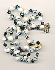 Gorgeous Trifari White & Blue Glass Bead Bracelet