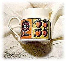 1964 Homer Laughlin Flower & Fruit Creamer
