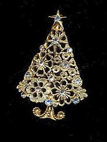 Vintage Christmas Tree with White Rhinestones Pin
