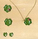 Lovely 1950s Metal Lilypad w Ladybug Jewelry Set