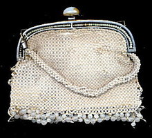 Early 1900s Cream Heavy Glass Bead Hand Bag