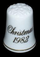 1982 Avon Christmas Scene Thimble w Snowflake Top