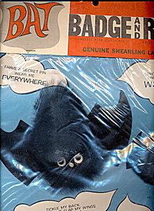 1950s Bat Badge & Ring Spooky Set Mint in Pkg