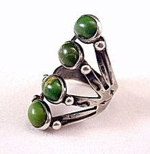 Sterling Silver 4 Green Stone.925 Ladies Ring - Vintage
