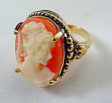 Lovely Vintage Faux Cameo 14 HGE Ladies Ring