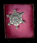 Liz Claiborne Green Glass Snowflake Brooch in Box