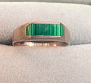 Sterling Silver & Green Stone.925 Ring