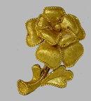 Vintage Trifari Goldtone Flower Lapel Pin  Excellent condition, signed, measures 1 1/4