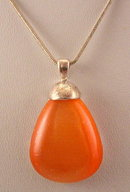 Vintage Peach Glass Stone Drop Pendant Necklace