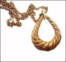 Large Goldtone Oval Pendant Necklace