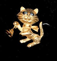 Vintage Avon Cat with Bell Pin with Blue Eyes