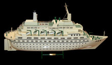83.5510 Nice Detailed Model of White Love Boat.