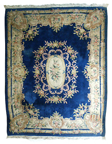 85.5841 Large Chinese Rug with Decorative Pattern