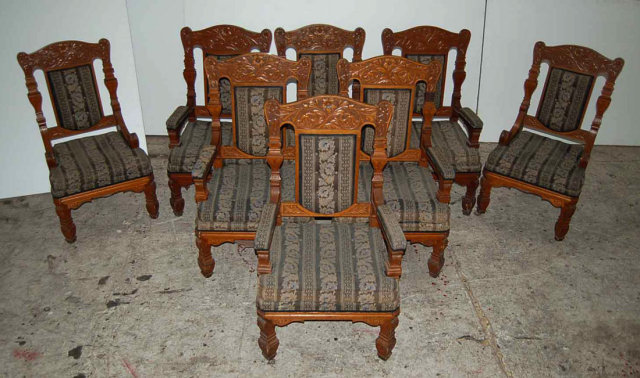 30.6139 Set of 8 Antique Carved American Quartersawn Oak Armchairs