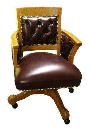 31.6508 Oak Swivel Chair in Burgundy Leather