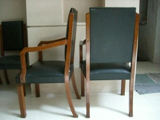 7025 10 Leather Chairs & Art Deco Table
