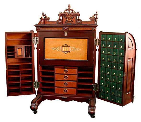 03.5071 Renaissance Revival Wooton Standard Grade Desk