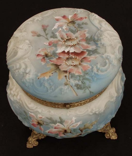 Large Nakara porcelain box