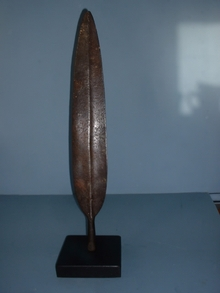 spear head  IN STAND
