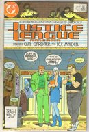 Justice League America #28 comic book near mint 9.4