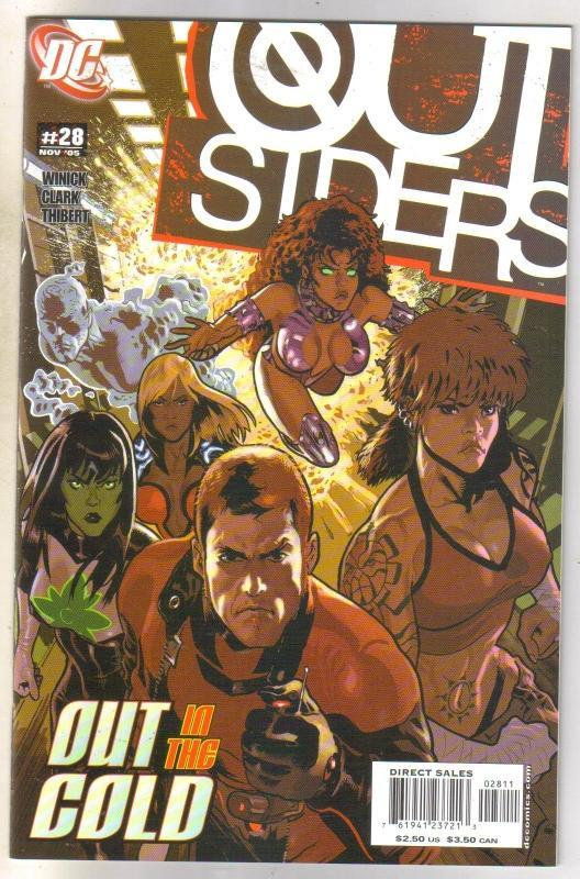 Outsiders #28 comic book near mint 9.4