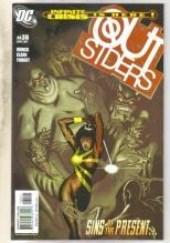 Outsiders #30 comic book near mint 9.4