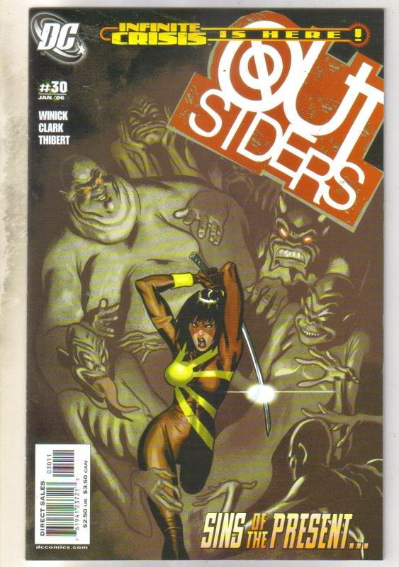 Outsiders #30 comic book near mint 9.4