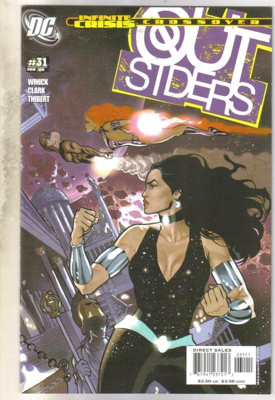 Outsiders #31 comic book near mint 9.4