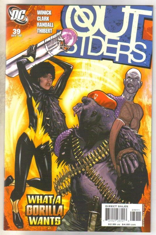 Outsiders #39 comic book near mint 9.4