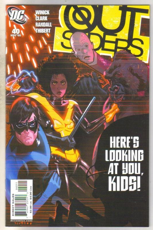 Outsiders #40 comic book near mint 9.4