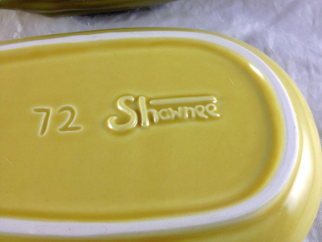 SHAWNEE YELLOW CORN KING 2 PIECE STICK BUTTERDISH #72 BUTTER DISH