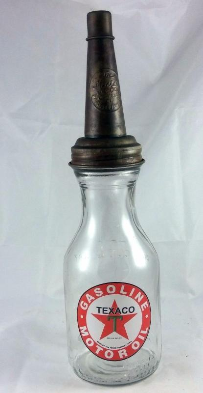TEXACO RED STAR LOGO MOTOR OIL 1 QUART CAPACITY GLASS BOTTLE METAL MASTERS SPOUT