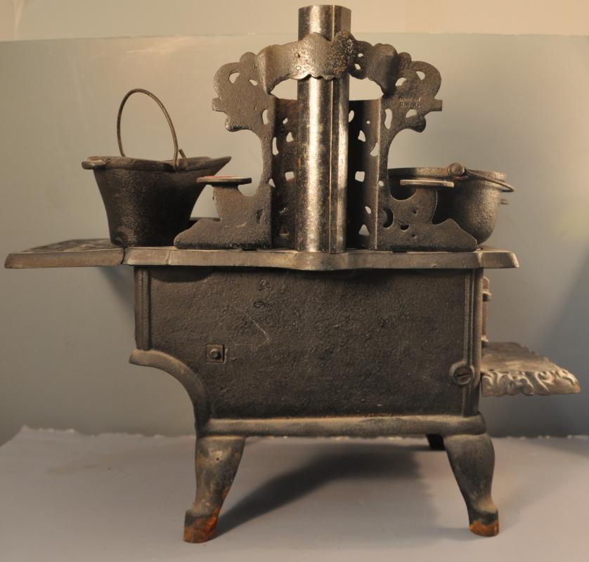 Cast Iron Stove and Acessories