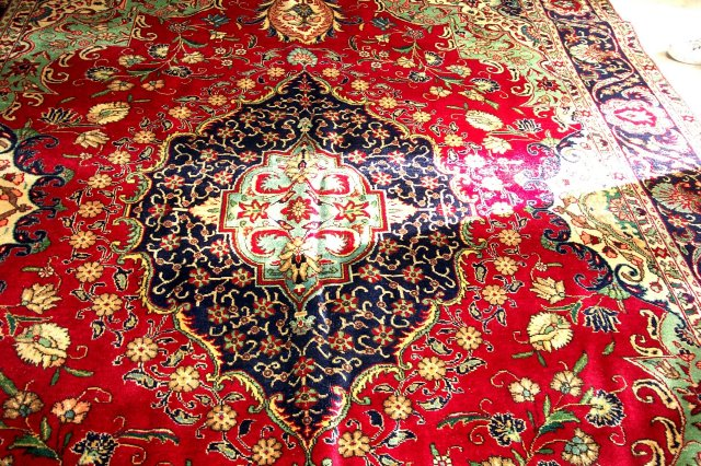 Genuine Handwoven Wool Oriental Carpet