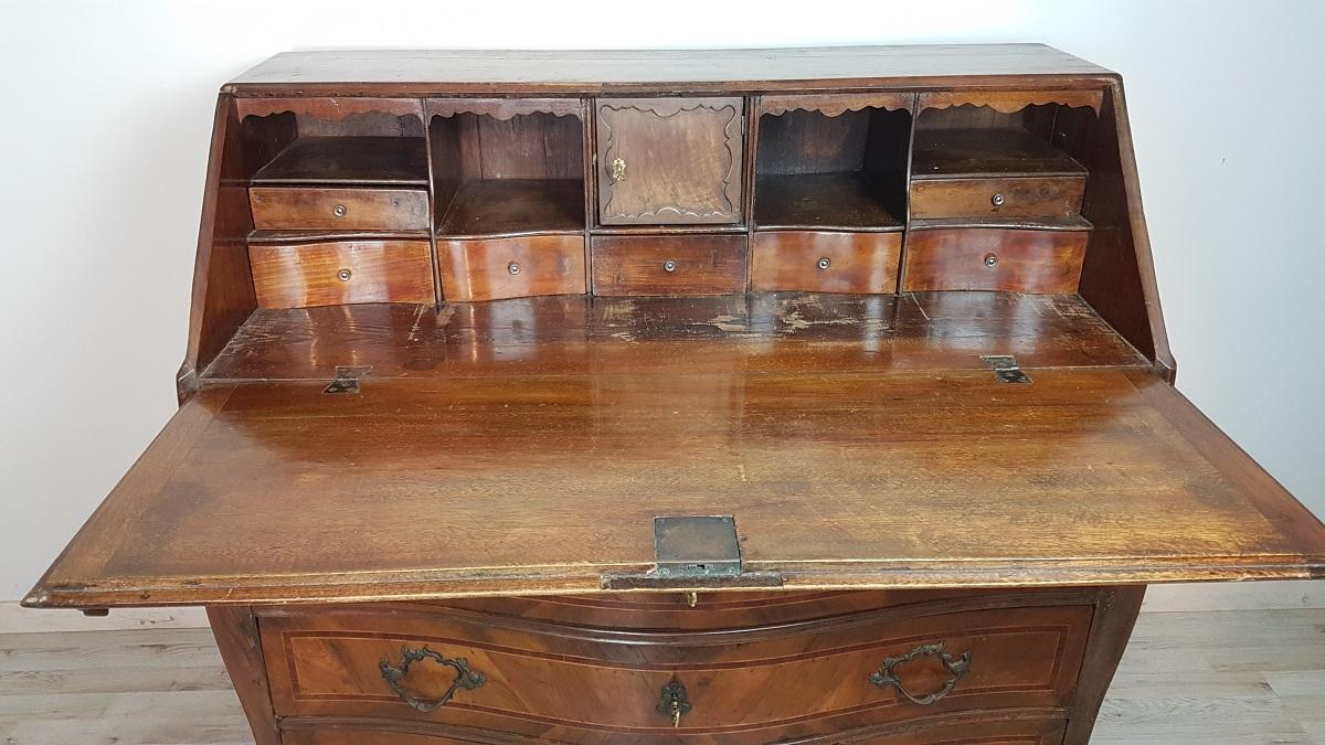 18th Century Italian Louis XV Walnut Chest of Drawers with Secretarie