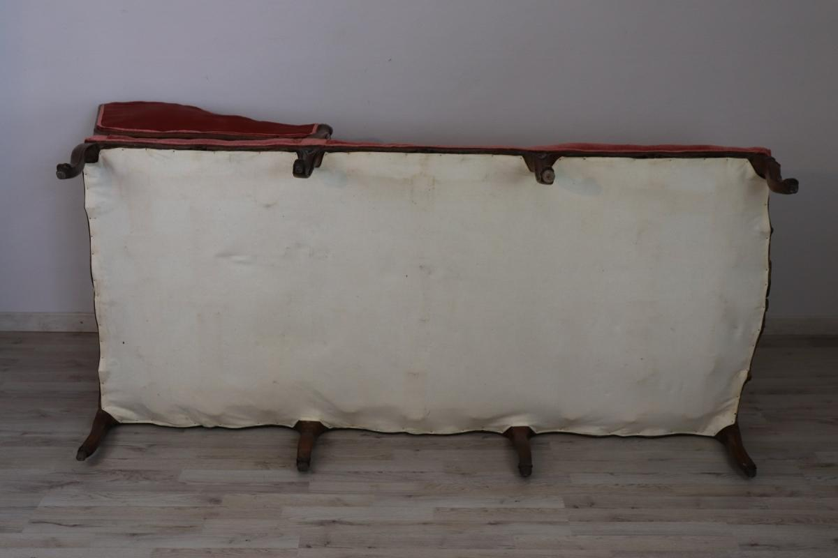 18th Century Italian Carved Walnut Chaise Longue with Velvet