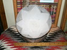 ANASAZI KIATUTHLANNA WARE  Black on White Bowl