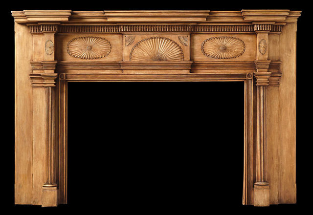 2005/1014 Lancaster County Fan Mantel c.1810-1820