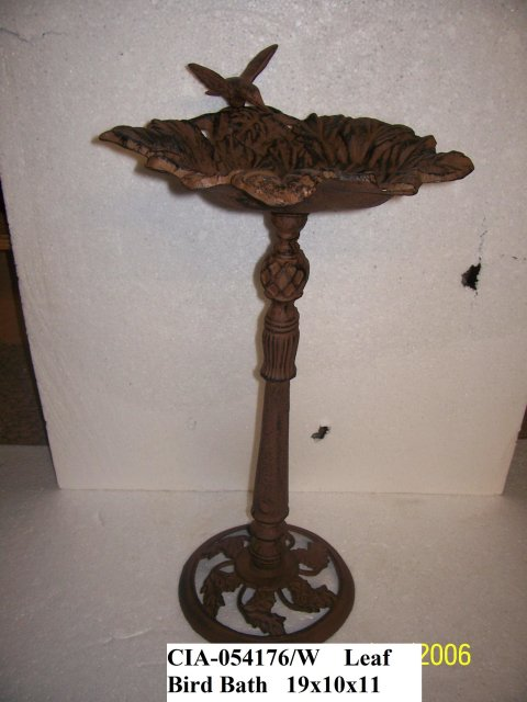 Iron Bird Bath with Leaves