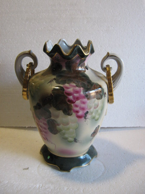 Vase with Painted grapes