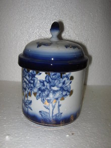 Canister with Lid, Flow Blue, Gold Detail