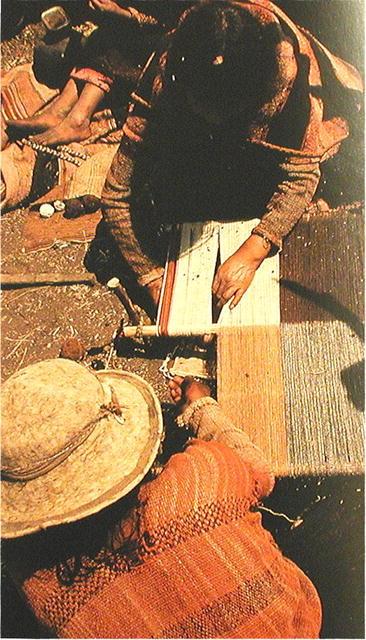 BOLIVIA.  Tari  - Early Ritual Cloth.