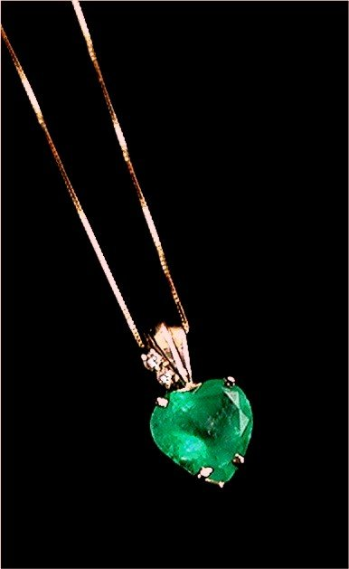 EMERALD  6.50 CARAT  HEART CUT *  Diamond
