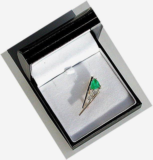 Emerald  2.25 carat  Custom Trillion Cut Masterpiece.  Diamond Pin  14k Yellow Gold *  Certified