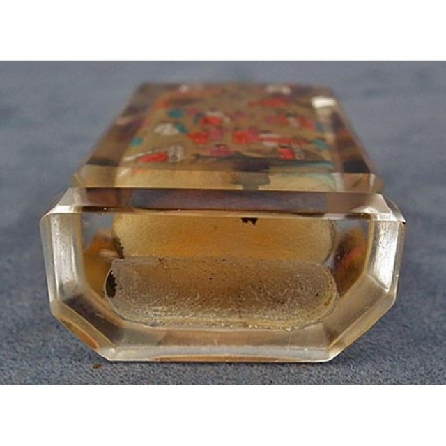 Chinese Inside Painted Crystal Glass Snuff Bottle